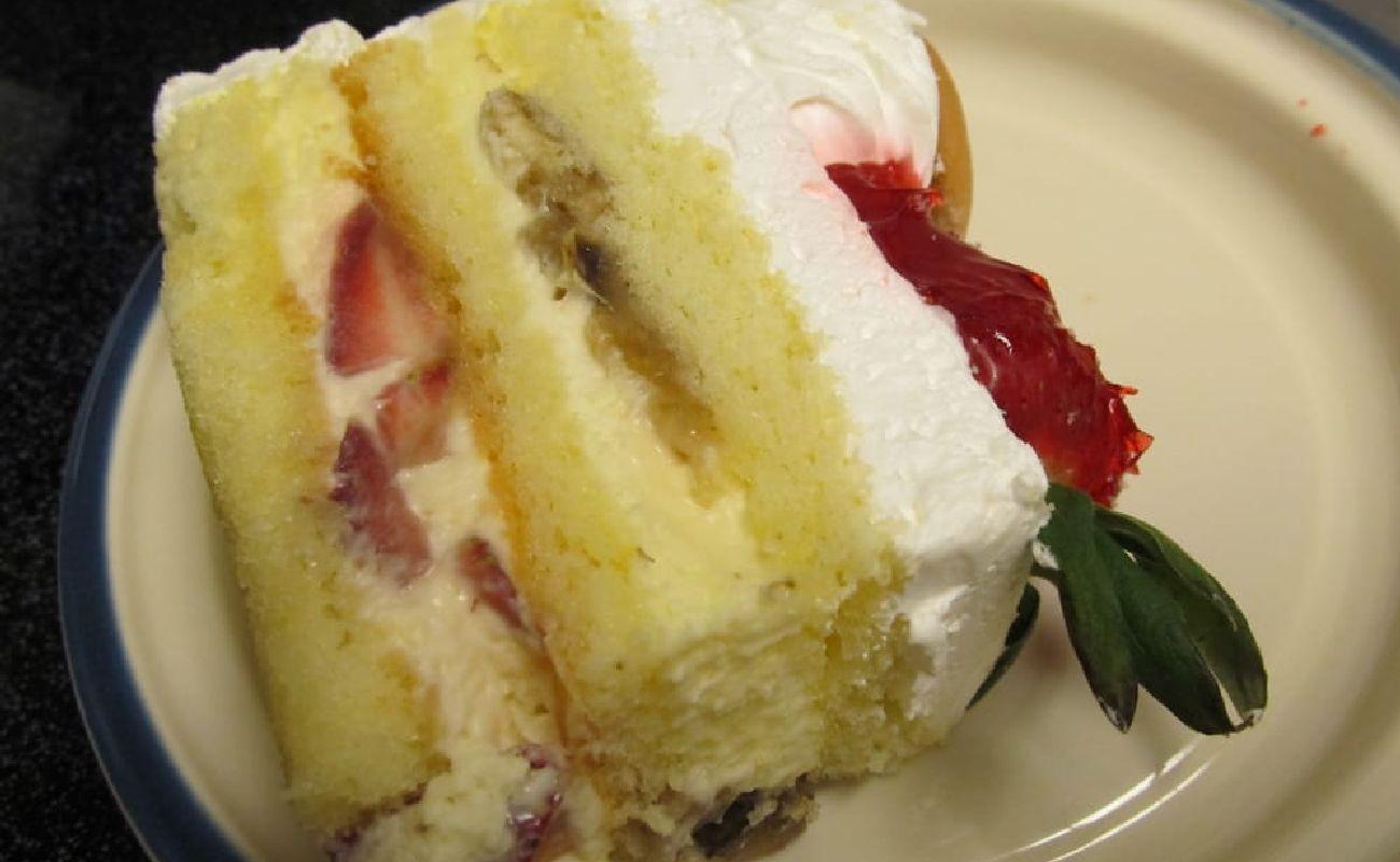 Strawberry And Banana Cake