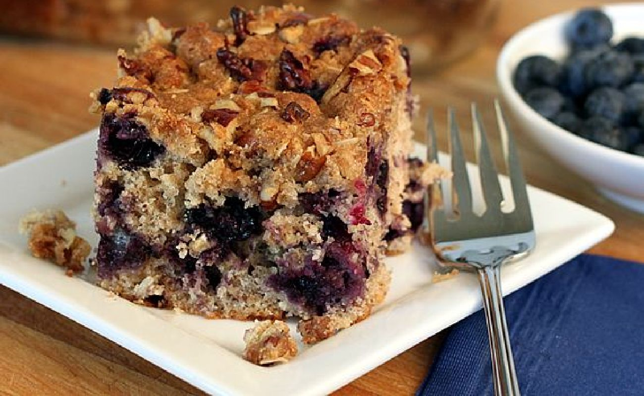 Oat And Berry Bake